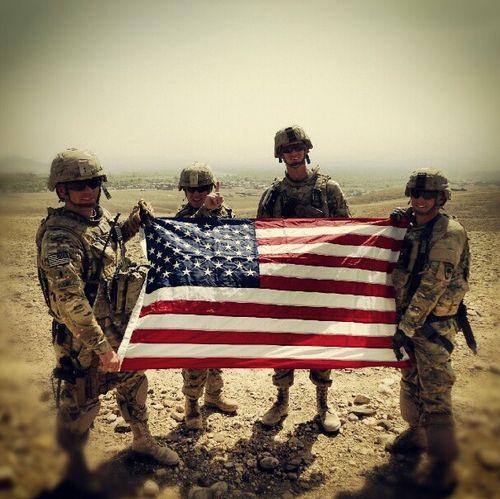 362121229c9aeec34c544a666ab20c92 american soldiers american flag